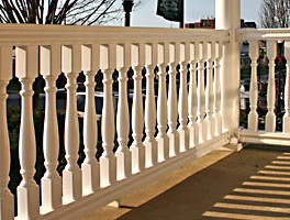5000 Series Vinyl Railing with Vintage Baluster